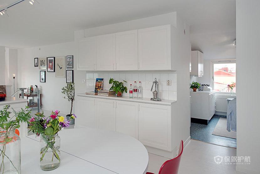 现代简约风格四室一厅30平米客厅白色橱柜效果图