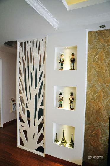 田园欧式风格小户型两室一厅客厅板材镂空隔断效果图