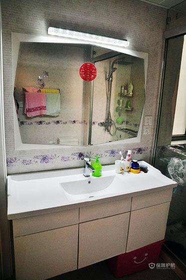 后现代风格两室两厅5平米卫生间浴室柜效果图
