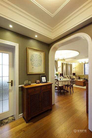英式风格别墅80平客厅门洞装修效果图