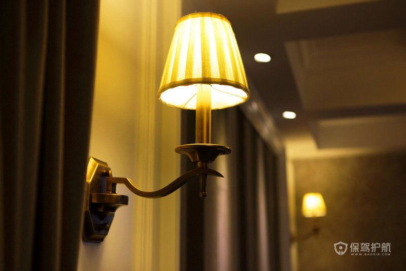 欧式风格别墅走廊复古壁灯装修效果图