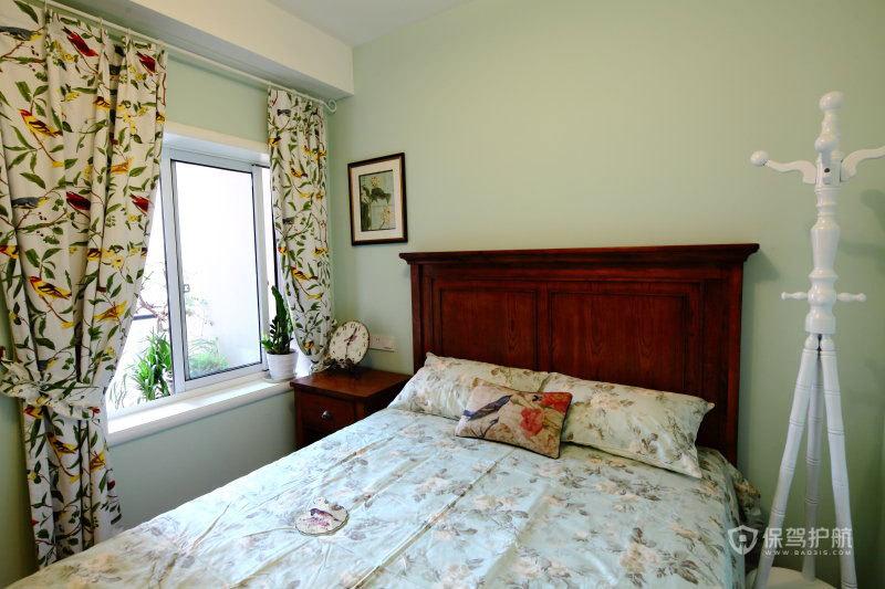 简约风格公寓卧室碎花窗帘效果图