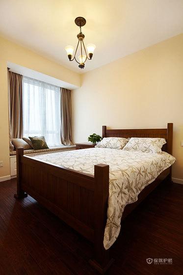 古典风格三室两厅10平米卧室胡桃木床效果图