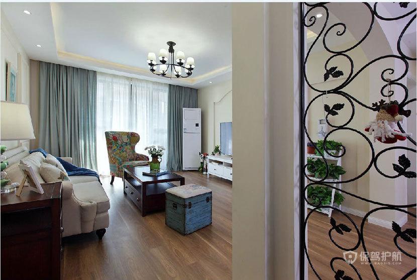 法式风格两室两厅客厅实木板材地面装修效果图