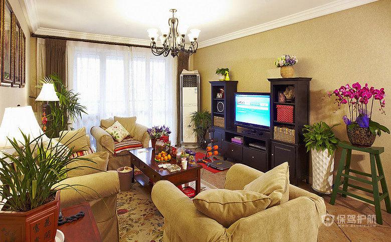 沙发我一直比较喜欢这种反绒布的,摸起来很舒服,家里花花草草不少,糖果很喜欢,真真假假大家分得清吗