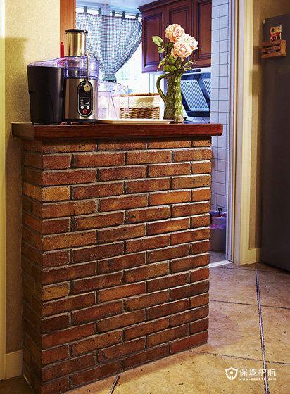 小壁台,东西收拾收拾也可以做一个小吧台用