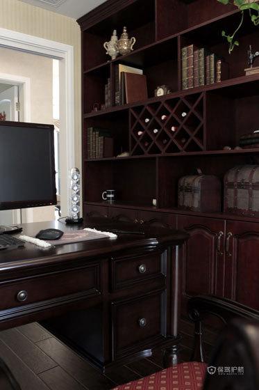 欧式古典风格别墅书房实木家具装潢效果图