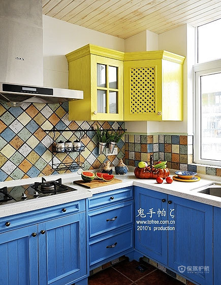 清新地中海混搭别墅厨房装修效果图