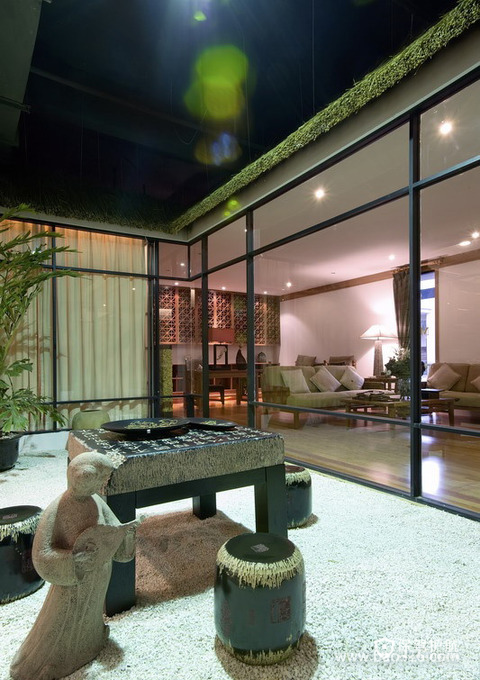中式风格别墅阳台装修设计