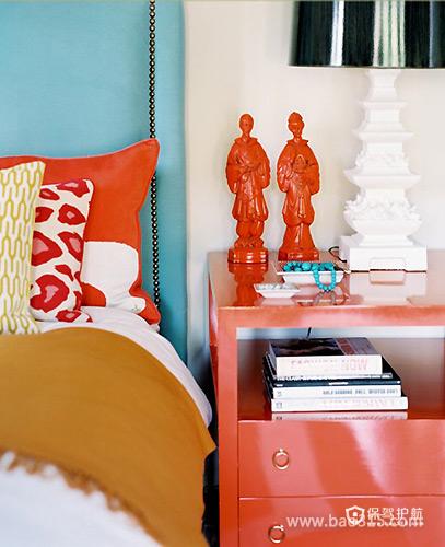 橙色床头柜突显现代魅力