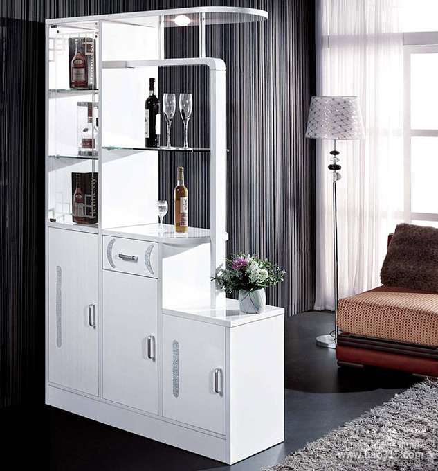古典气质家居空间的白色玄关设计