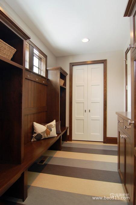 实木家具打造超强收纳的进门玄关