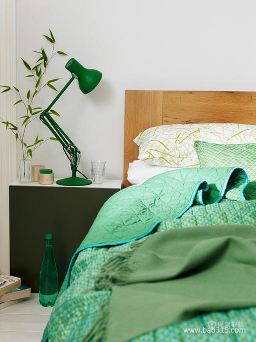 现代风格三室一厅10平米卧室创意软装装修效果图