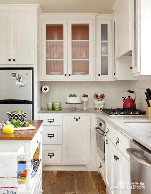 清新的田园风格厨房装修效果图