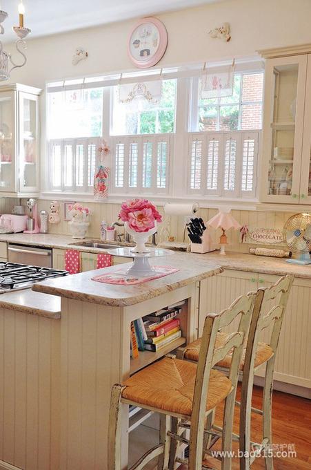 小清新的厨房装修效果图