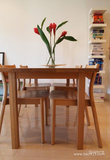 木制餐桌装饰效果图