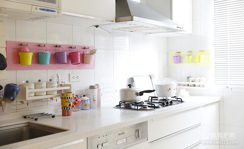 90㎡二居室田园风格厨房瓷砖背景墙装修图片-田园风格橱柜图片