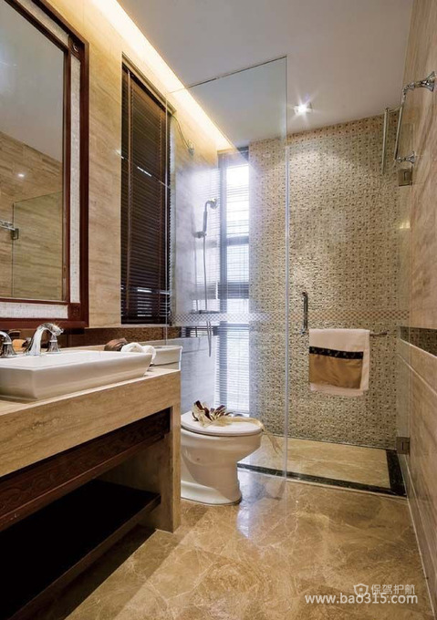 现代简约风格卫生间瓷砖装修效果图