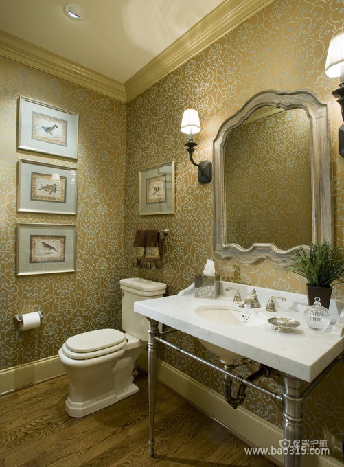 简洁而尊贵的卫生间设计效果图