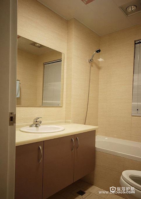 淡雅的卫生间设计效果图
