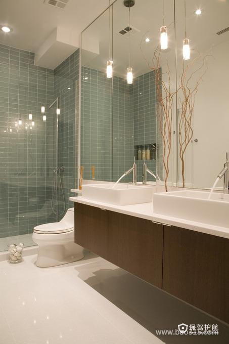 家居卫生间的明亮设计效果图