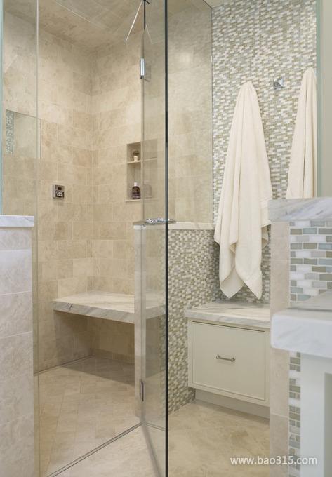 四室一厅简约风格30平卫生间玻璃门效…