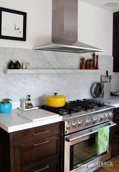 三室两厅现代风格厨房橱柜软装效果图