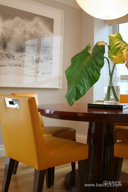 两室两厅北美风格餐厅墙面挂画效果图