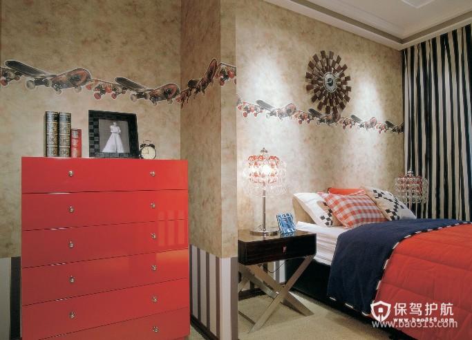 100㎡二居室英伦风格卧室背景墙装修效果图-英伦风格床头灯图片