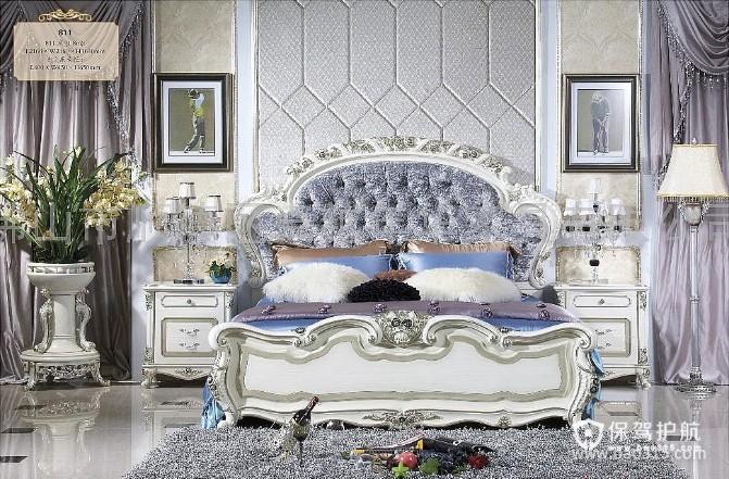 120㎡三居室法式风格卧室吊顶装修效果图-法式风格床头柜图片