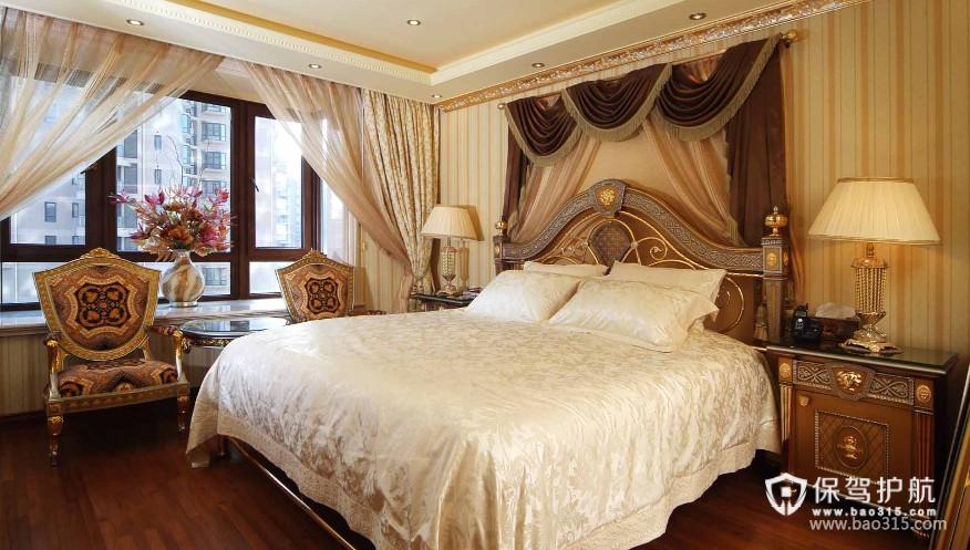 100㎡二居室欧式古典卧室背景墙装修效果图-欧式古典风格床头柜图片