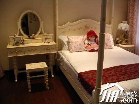 绽放优雅魅力 温馨低调奢华大宅 四房以上装修,豪华型装修,简约风格,卧室,可爱,床,梳妆台,灯具,窗帘