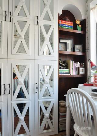欧式风格三室一厅10平米书房书柜软装搭配效果图