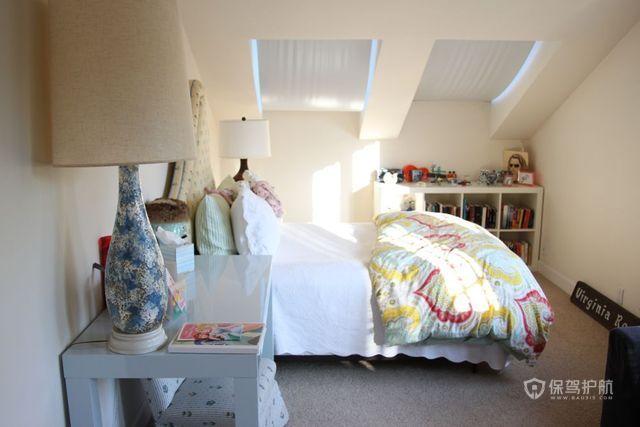 简约温馨小户型跃层卧室装修效果图