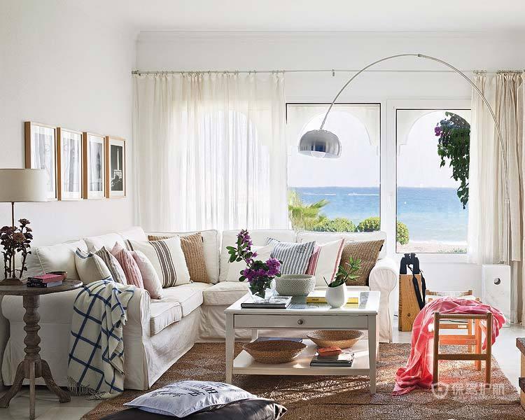 纯美观海居 蓝白红的海滨公寓
