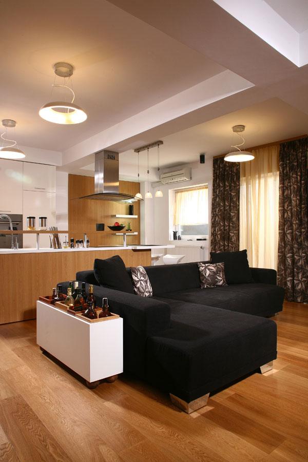 原木打造绅士空间 简约单身男士公寓