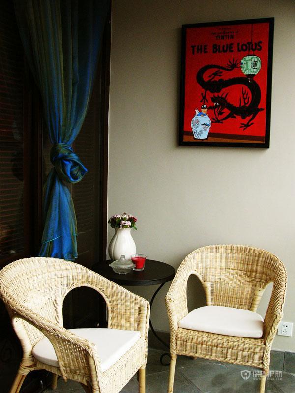 90平法式公寓客厅挂画软装效果图