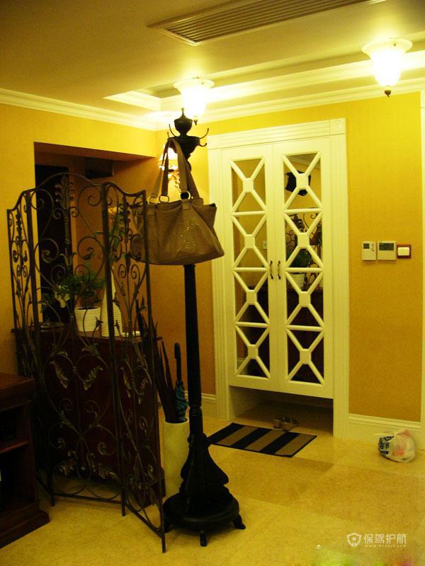 美式古典风格小户型别墅玄关创意软装效果图