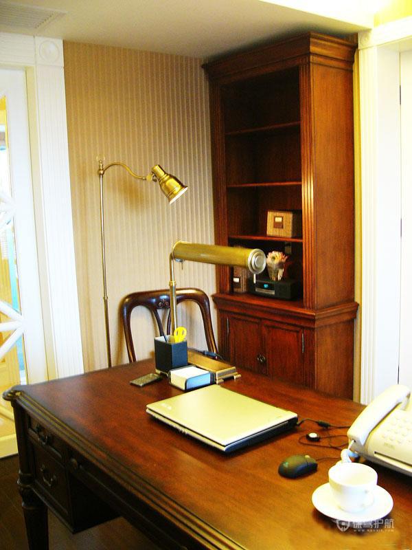 三室两厅20平古典风格书房装修效果图