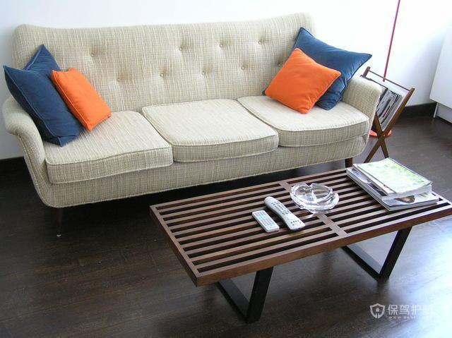 淡雅色调公寓房 水晶吧台椅设计