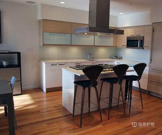 挑高层简约风 舒适怡人居 跃层装修,富裕型装修,简约风格,海外家居,厨房,简洁,橱柜,灯具,吧台椅
