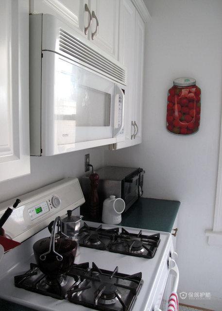 90平简约一居室公寓厨房橱柜装修效果图