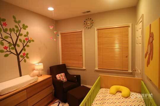 裸色儿童房 给孩子一个自然舒适小空间 小户型装修,公寓装修,70平米装修,简约风格,海外家居,儿童房,婴儿床,边柜,墙贴