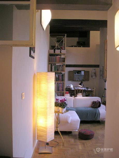 现代风格复式楼20平米客厅创意灯具软装搭配效果图