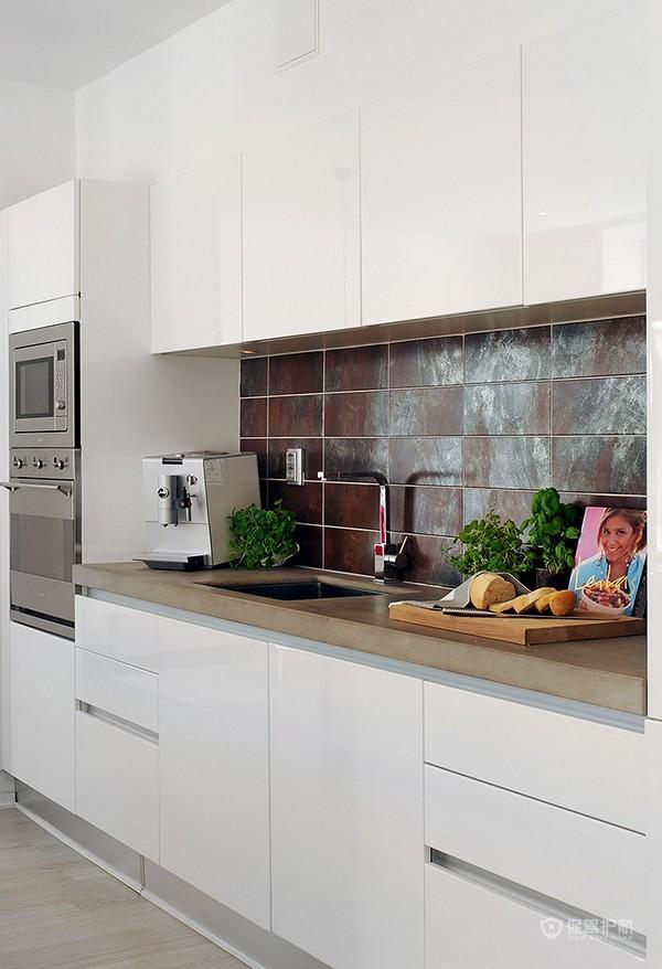 白色北欧风两居室厨房橱柜装修效果图