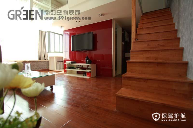 舒适原木运用 温馨loft前卫公寓