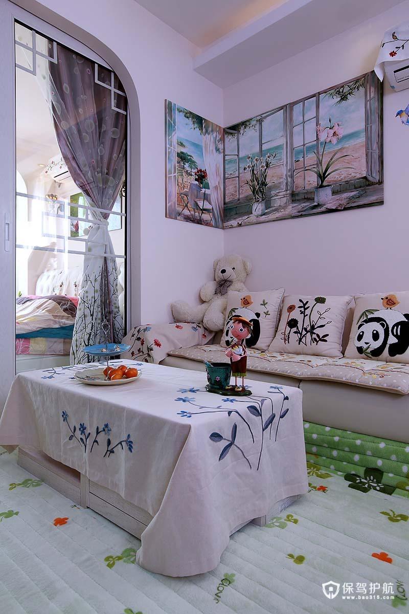 甜美田园气息 80后夫妻的DIY墙贴巧装