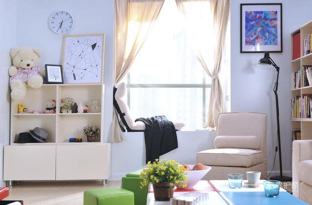 25平小户型宜家风客厅飘窗装修效果图