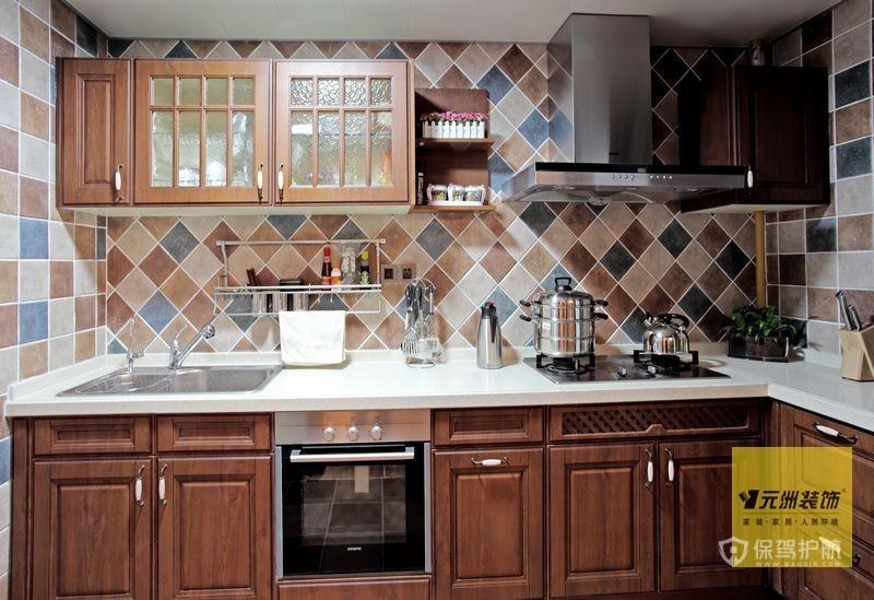 110平典雅美式乡村风格三居室厨房橱柜装修效果图