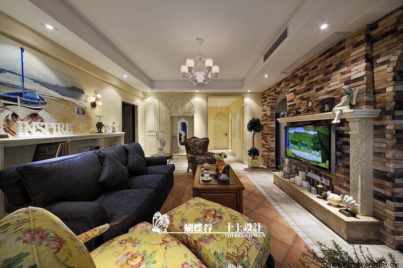 140平田園風公寓客廳電視墻裝修效果…